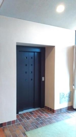 教会エレベーター_R.jpg